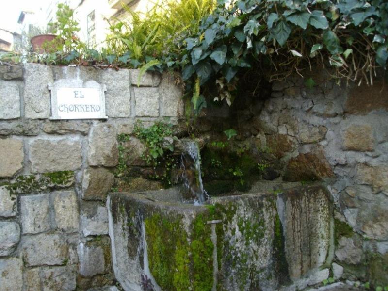 Fuente El Chorrero (Senderismo Los Vettones)