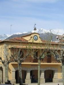 Plaza del ayuntamiento (Madrigal de la Vera)