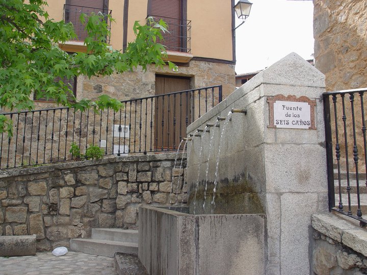 Fuente Seis Caños (Marisol)